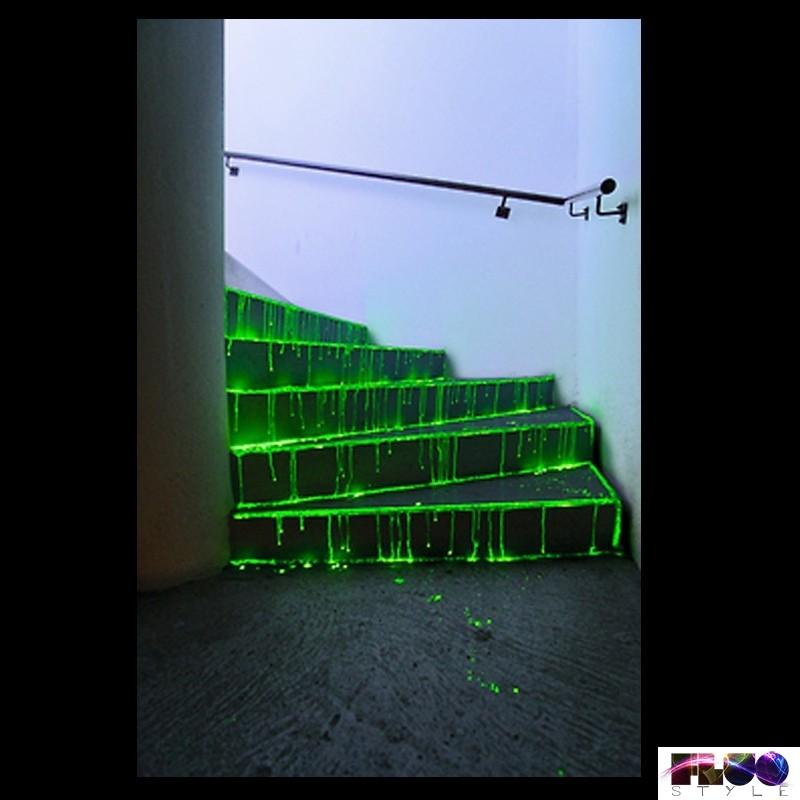 Vernice Spray Fosforescente Luminescente Che Si Illumina