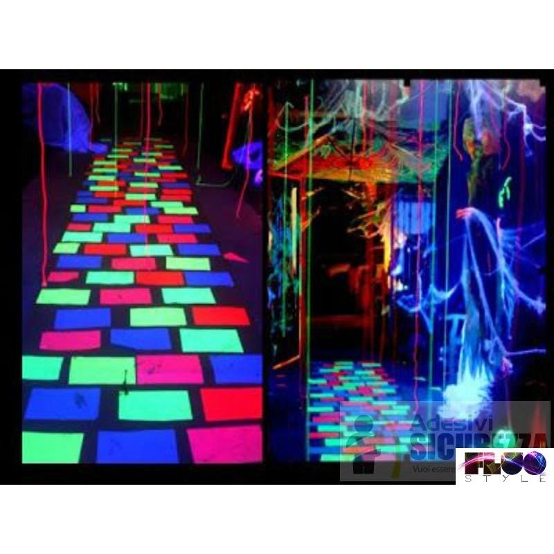 Pavimenti In Resina Luminescenti.Pigmento Additivo Polvere Luminescente Che Si Illumina Al Buio